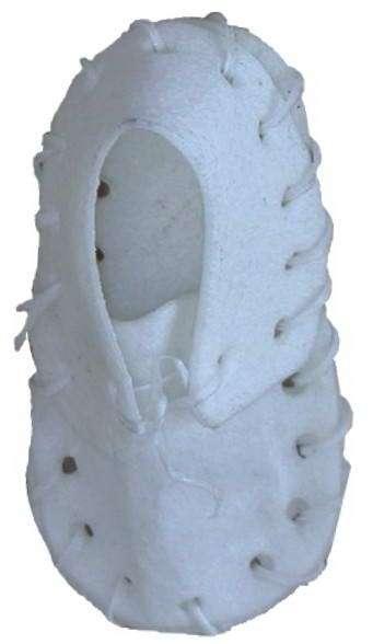 Pamlsek  botička bílá 8cm -1ks